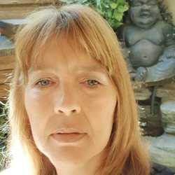 Christa Moerenhout - English to Dutch translator