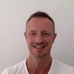 Bart van der Veer - French a Dutch translator