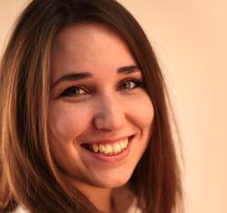 Netta Rozsi - English a Hungarian translator