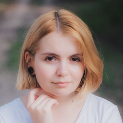 Iryna Lobko - rosyjski > ukraiński translator