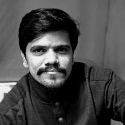 Prasenjeet Gaikwad - maratí a hindi translator
