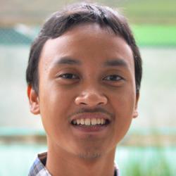 Muhammad Fadhlullah - inglés a indonesio translator