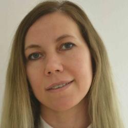 Helena Bondarchuk - ruso a ucraniano translator
