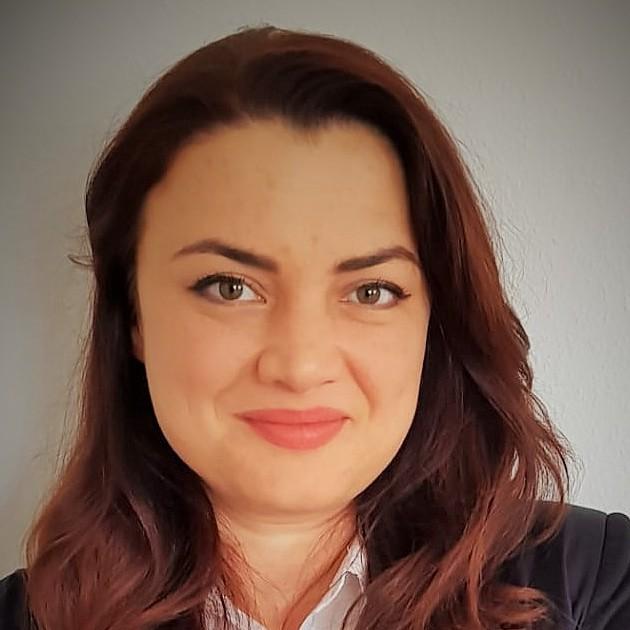 Meda Padurean - rumano a inglés translator