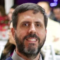 Matthew Hoffman - Spanish > English translator