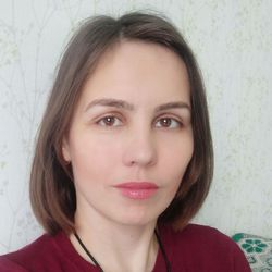 Nadyiia Derkach - English > Russian translator