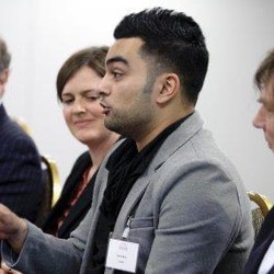 Azeem Mirza - inglés a neerlandés translator