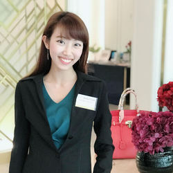 Natrada Sribuathong - tailandés a inglés translator