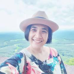 Nadia Silakhom - inglés a tailandés translator