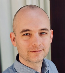 Daniel Burke - Japanese a English translator