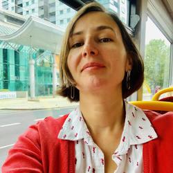 Dana Economu - rumano a inglés translator