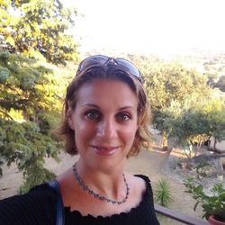Elena Camodeca - angielski > włoski translator