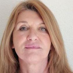 Samantha Sancto - neerlandés a inglés translator