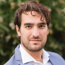 Enrico Moschettini - angielski > włoski translator