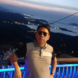 Hyuk Hwang - angielski > koreański translator