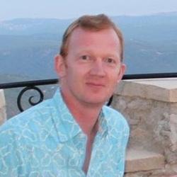 Trevor Robinson - checo a inglés translator