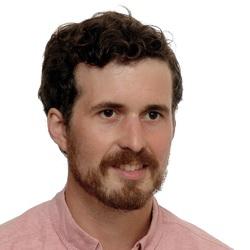 Andrew Schmitt - ruso a inglés translator