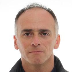 Terry Ezra - neerlandés a inglés translator