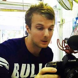 Chris Thacker - tailandés al inglés translator