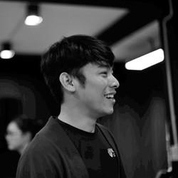 Shaw Khantikachenchart - inglés a tailandés translator