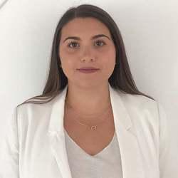 Flora Lucas - italiano a francés translator