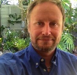 Chico Birrell - portugués a inglés translator