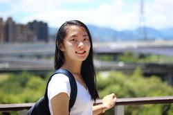 易臻 李 - inglés a chino translator