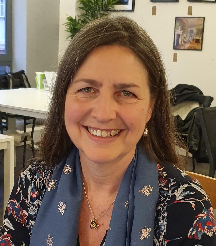 Angelika Baumgart creating and optimizing a website for your translation