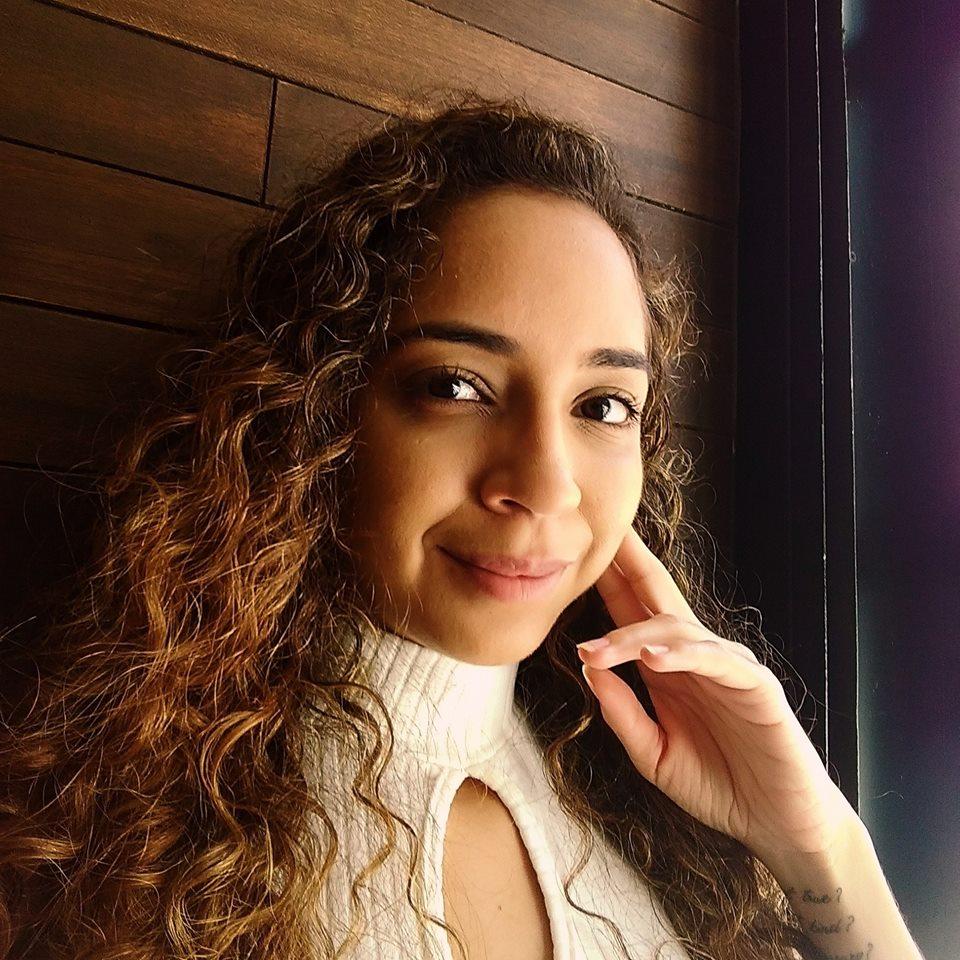 Indira Petit - portugalski > angielski translator