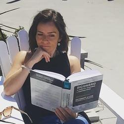 Andrea Roach - portugalski > angielski translator