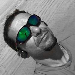 Daniel Lima - portugués a inglés translator