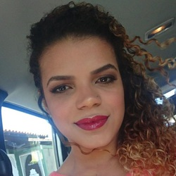 Thaiane Assumpção - English to Portuguese translator