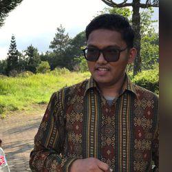 Tua Darwin Sipayung - inglés a indonesio translator