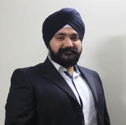 Pribhat Singh - hindi > angielski translator
