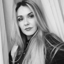 Anna Stakhniuk - angielski > rosyjski translator