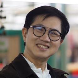 Kittiphol Munchuvisith - inglés a tailandés translator