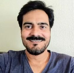 Hassaan Ahmad - inglés a urdu translator