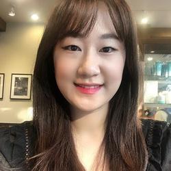 Anna Hur - angielski > koreański translator