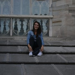 Florie Ulian - English to French translator