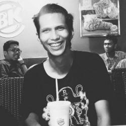 Akbar Nicholas - indonezyjski > angielski translator