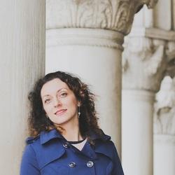 Valérie Catanzaro - English to French translator