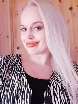 Sølvi-Linn Lundegaard - niemiecki > norweski translator