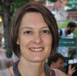 Sylvie F. - inglés a francés translator
