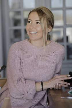 Aliona Loutsenko - ruso a griego translator