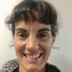Amanda Brinkman - neerlandés a inglés translator