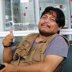Akhmad Randi - inglés a indonesio translator