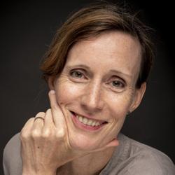 Jenny Hoefliger - French translator