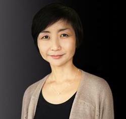 Clara Yoon - angielski > koreański translator