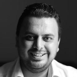 Mohamad Hussien - inglés a árabe translator