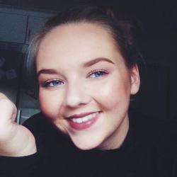 Andrine Nerland - inglés a noruego translator